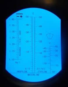 рисунок 1 - шкала измерений рефрактометра
